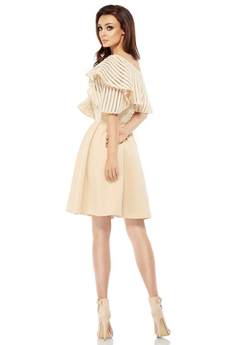 9f00573794 lemoniade Sukienka koktajlowa na jedno ramię beżowy CASSIDY - Merg.pl