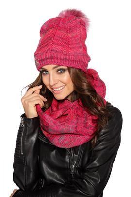 Wyjątkowy zestaw – czapka damska z futerkowym pomponem i komin malina
